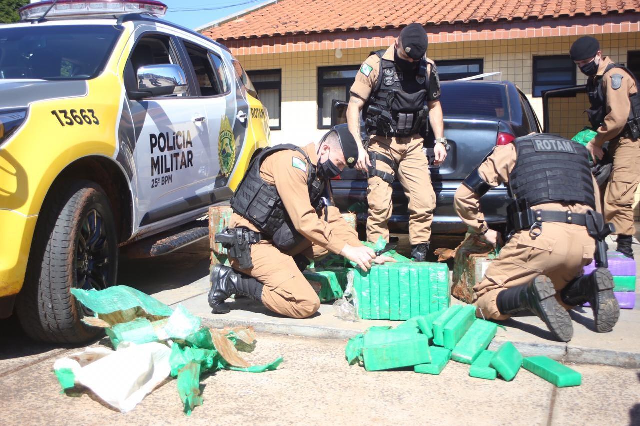 Motorista é preso suspeito de transportar 290 quilos de maconha, em Umuarama