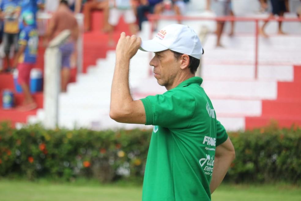 Fernando Tonet pediu demissão do Altos semana passada — Foto: Josiel Martins/GloboEsporte.com