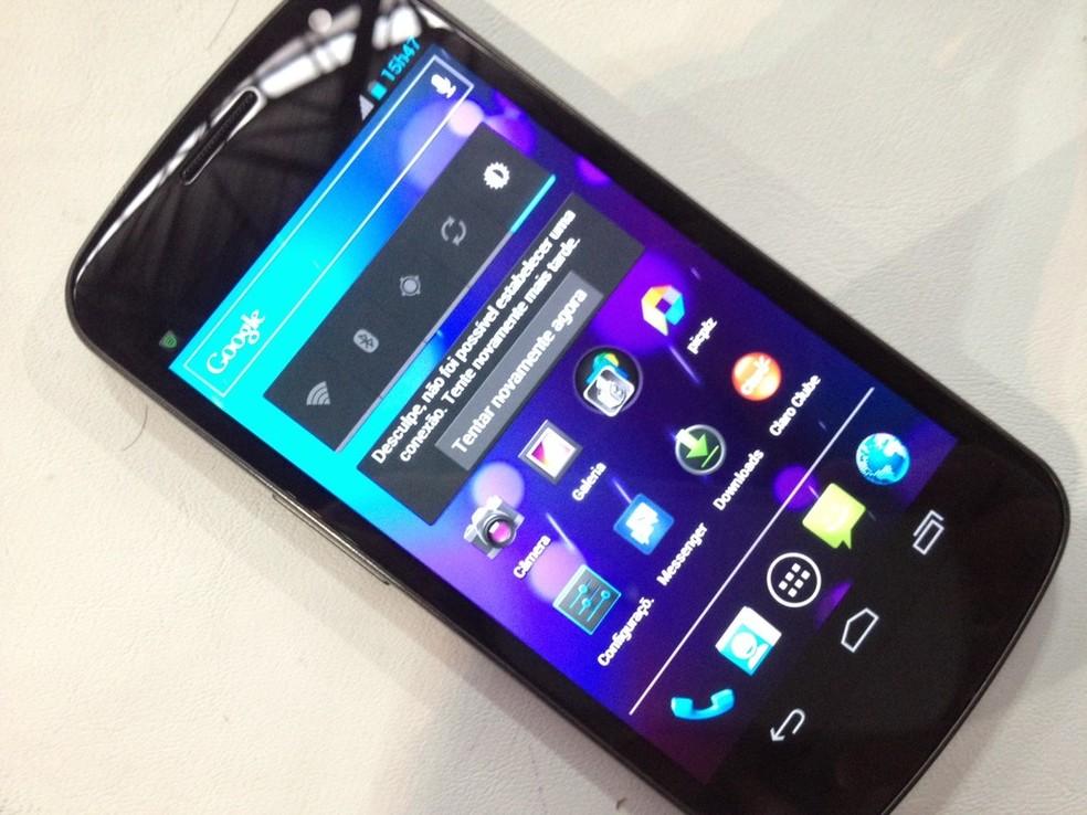 Galaxy X era curvo e usava Android oficial â?? Foto: Nick Ellis/TechTudo