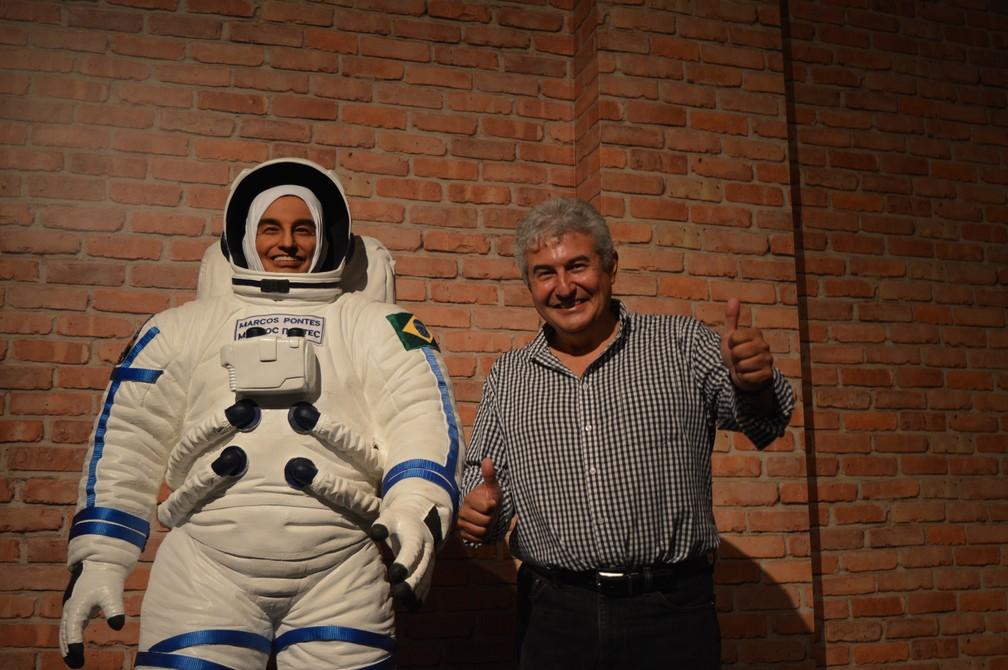O astronauta Marcos Pontes ganhou estátua de cera no museu do Santuário Nacional de Aparecida (Foto: Camilla Motta/G1)