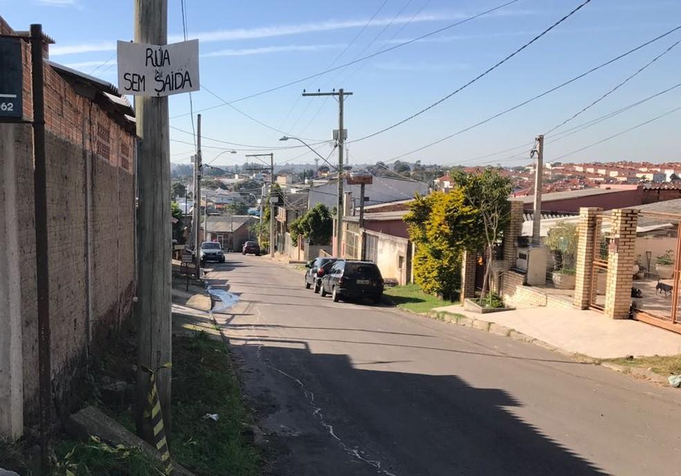 Local onde mulher foi baleada na Zona Norte de Porto Alegre (Foto: Bernardo Bortolotto/RBS TV)