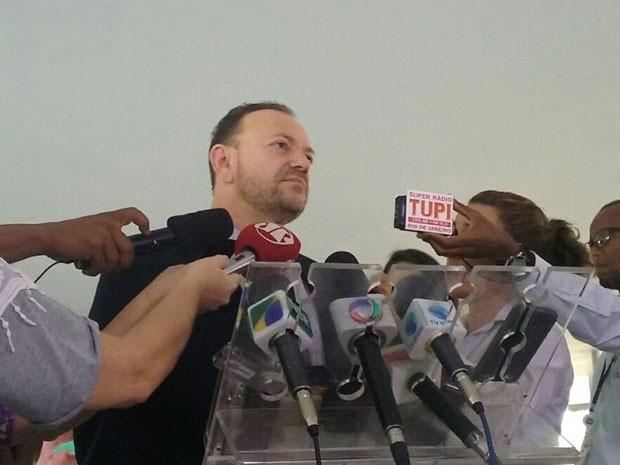 Edinho Silva deu entrevista coletiva no Palácio do Planalto após reunião de coordenação política (Foto: Filipe Matoso/G1)