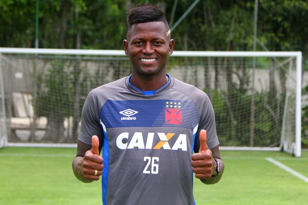 fdd9953672 ... Riascos já está com elenco do Vasco — Foto  Paulo Fernandes Vasco.com