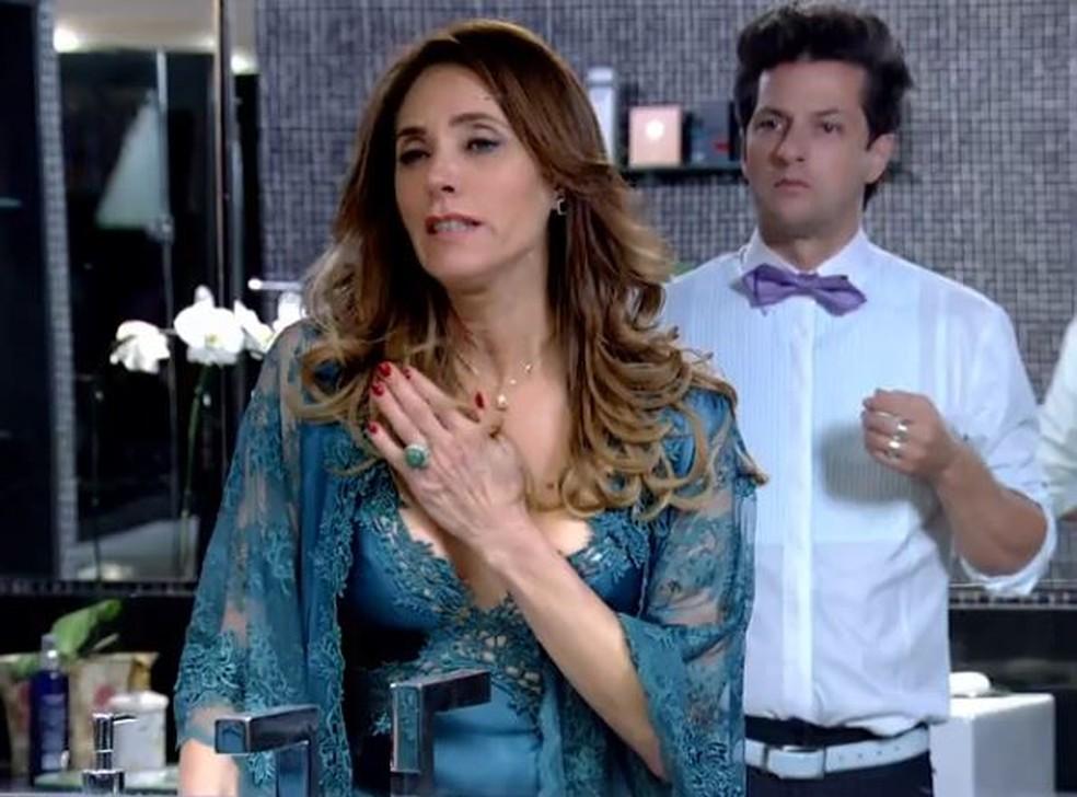 Crô fica chocado com maldade de Tereza Cristina em 'Fina Estampa' — Foto: Globo