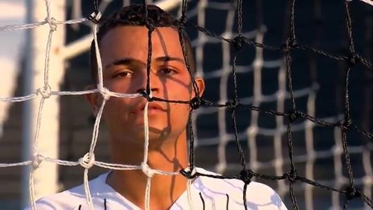 Riquelme no Corinthians? A história de um dos capitães do sub-17, finalista do Brasileirão