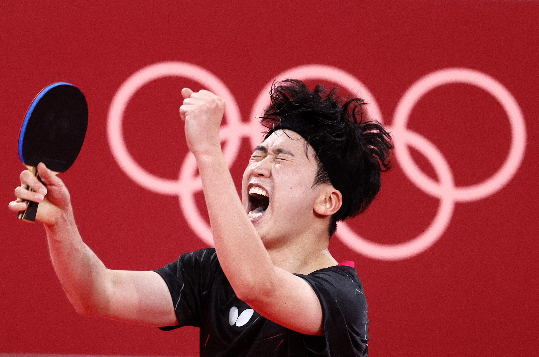 Ο Νοτιοκορεάτης παίκτης πινγκ-πονγκ Jiang Young-sik στους Ολυμπιακούς Αγώνες του Τόκιο στις 27 Ιουλίου 2021 (Φωτογραφία: Getty Images)