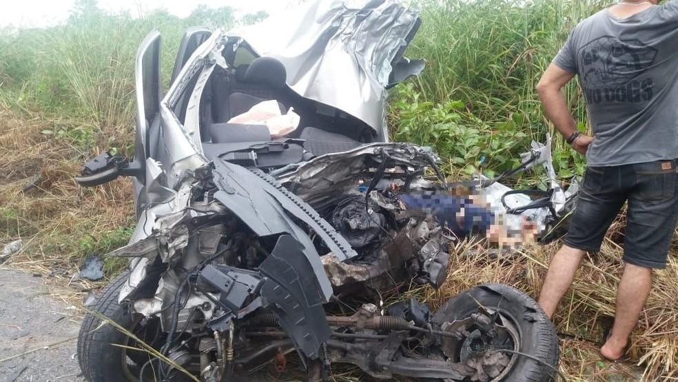 Homem se jogou contra carreta em acidente de trânsito na Grande Fortaleza, diz Secretaria da Segurança — Foto: PRF