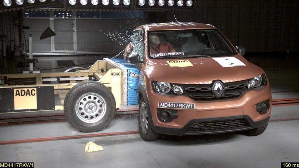 Renault Kwid recebeu 3 estrelas em teste de colisão (Foto: Latin NCap/Divulgação)
