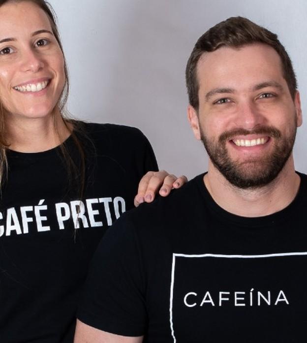 Irmãos criam marca de roupas inspiradas no café