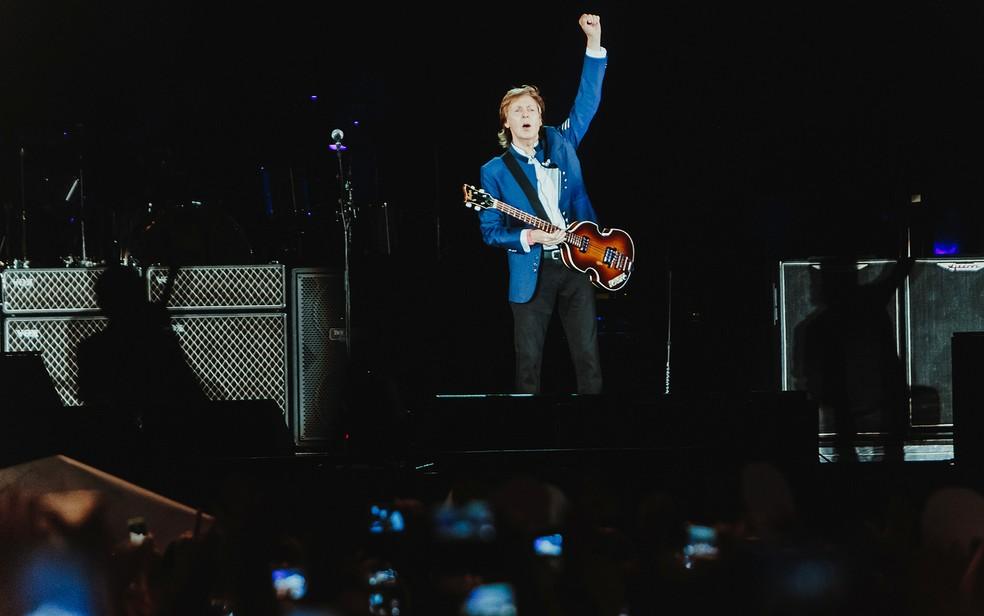 Paul McCartney fez show histórico em Salvador nesta sexta-feira (Foto: Breno Galtier/Divulgação)