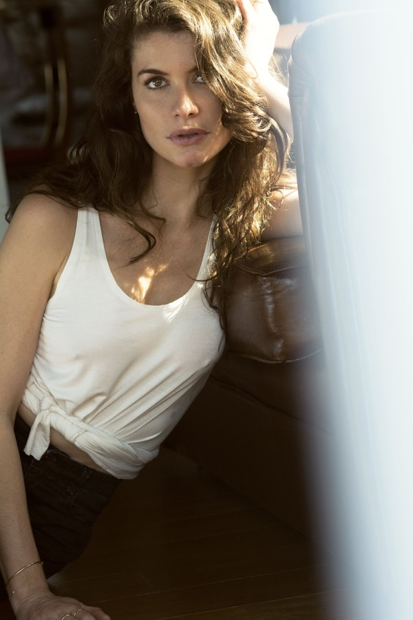 Alinne Moraes (Foto: FOTO: BRUNNO RANGEL; DIRECAO CRIATIVA: MARCELO FEITOSA)