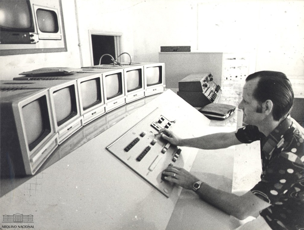 Profissional da TV Rio, março de 1972 — Foto: Arquivo Nacional