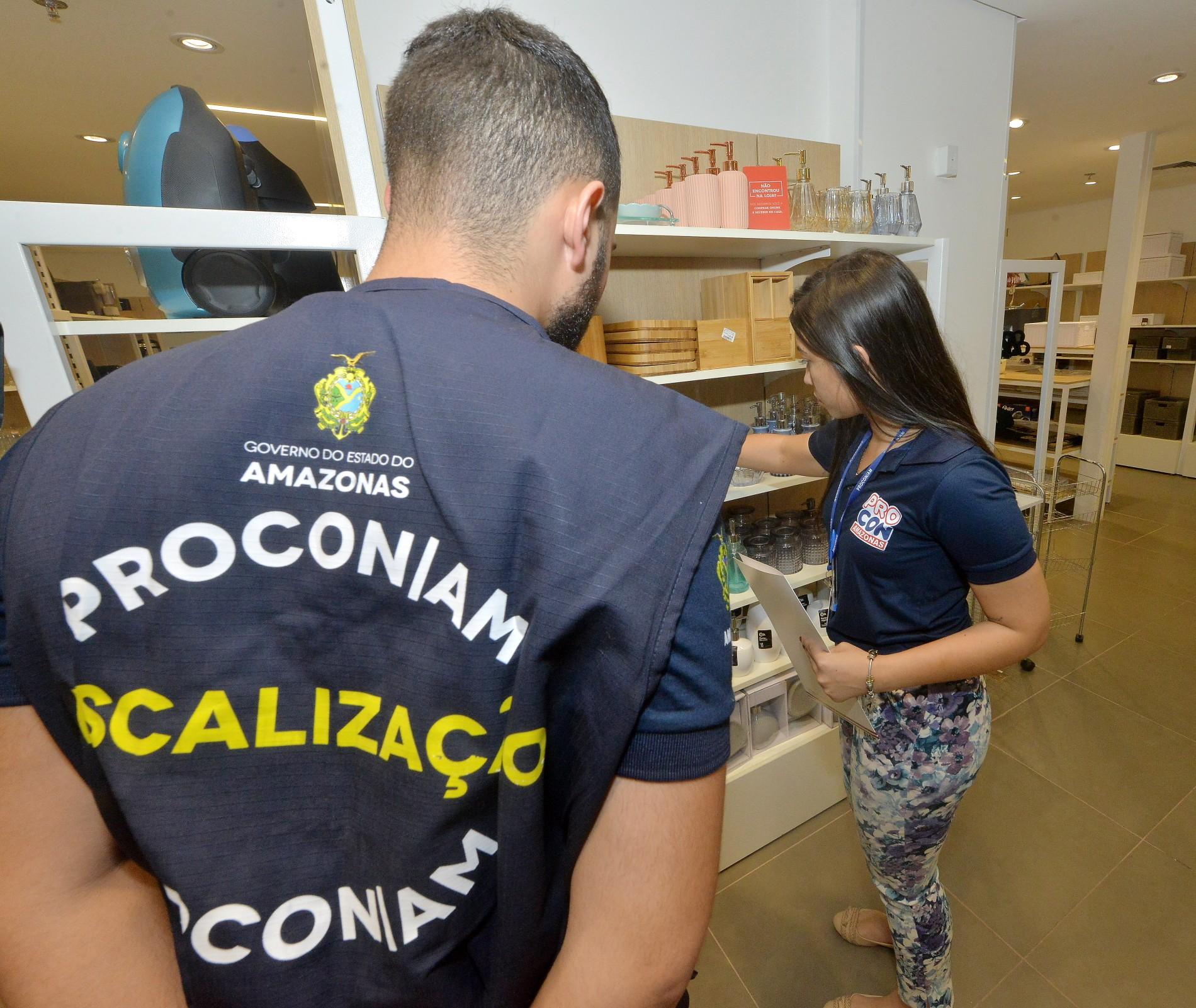 Mais de 20 lojas de shopping em Manaus são notificadas durante fiscalização do Procon-AM - Notícias - Plantão Diário