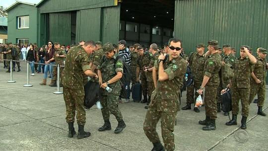 Militares viajam do RS para Roraima em trabalho de ajuda humanitária a refugiados venezuelanos