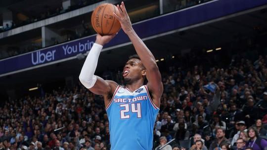 Na volta de Westbrook, Thunder pressiona no fim, mas cai para os Kings em Sacramento