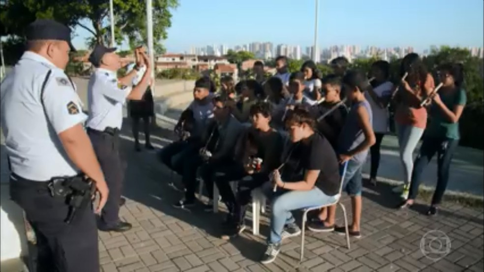 Candidata do Ceará no The Voice participa de projeto musical com crianças de três bairros de Fortaleza (Foto: TV Globo/Reprodução)