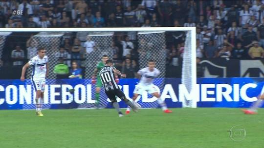 Com grande público, Botafogo vence Nacional e se classifica na Sul-Americana