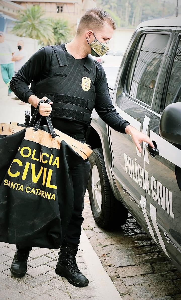 Cinco são indiciadas por compra irregular de merenda em Blumenau