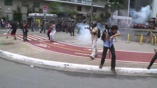 Protesto contra alta da tarifa em SP tem confusão e 14 detidos