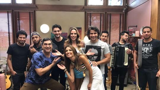 Munhoz e Mariano apresentam música inédita
