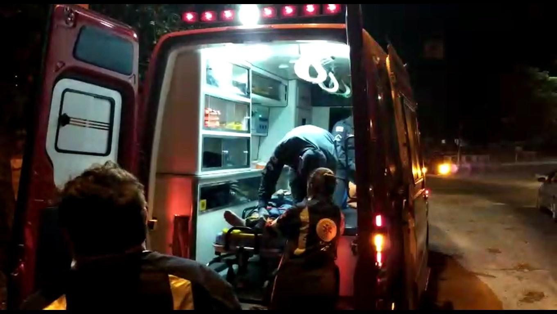 Motociclista fica ferido após bater em carro em Divinópolis - Notícias - Plantão Diário