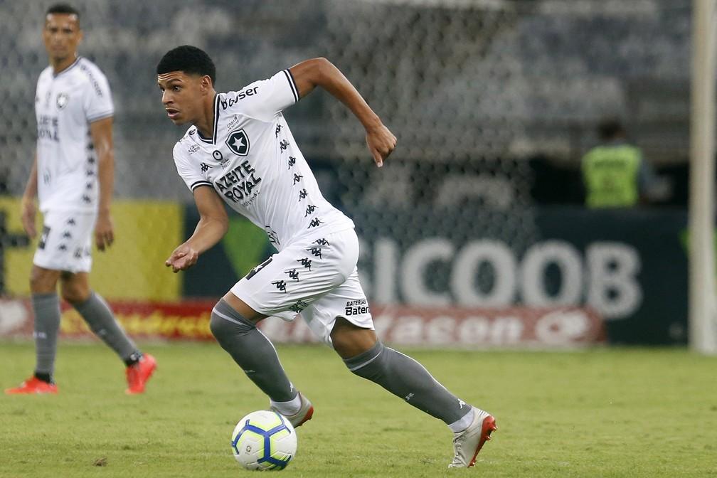 Luis Henrique foi o melhor jogador do Botafogo contra o Galo — Foto: Vitor Silva/Botafogo