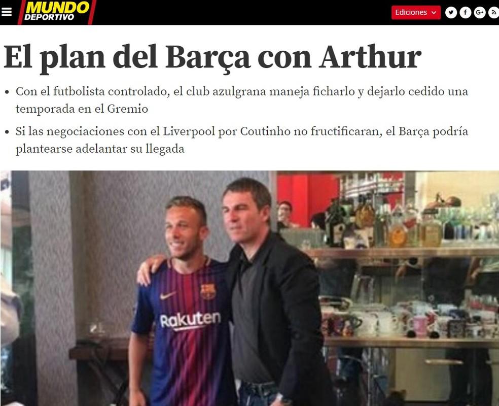 Jornal fala do plano do Barcelona para contratar Arthur (Foto: Reprodução)
