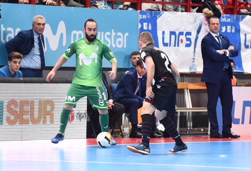 fd64b6a096102 ... Ricardinho durante a partida contra o Levante — Foto  Sandra  Santiago Movistar Inter FS