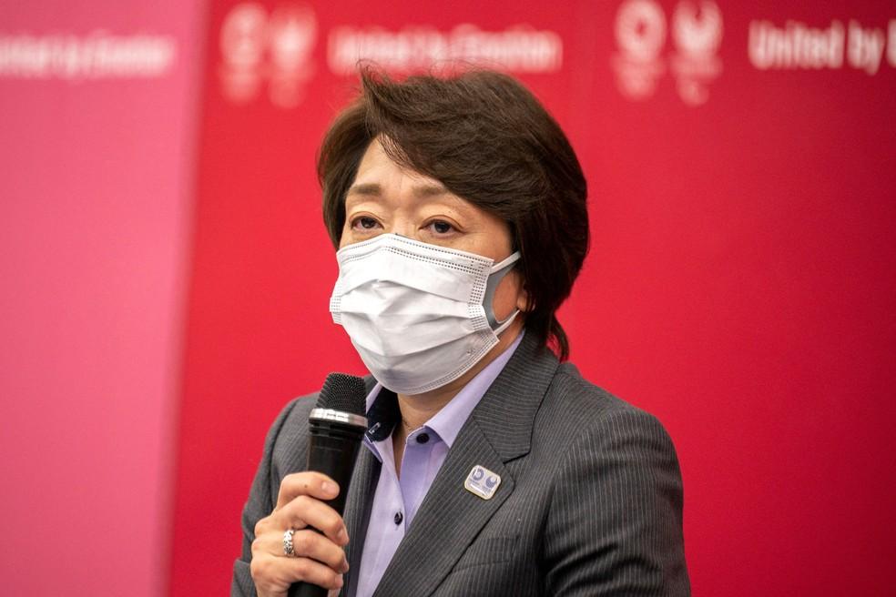 Seiko Hashimoto, durante coletiva de imprensa em Tóquio — Foto: Charly TRIBALLEAU / AFP