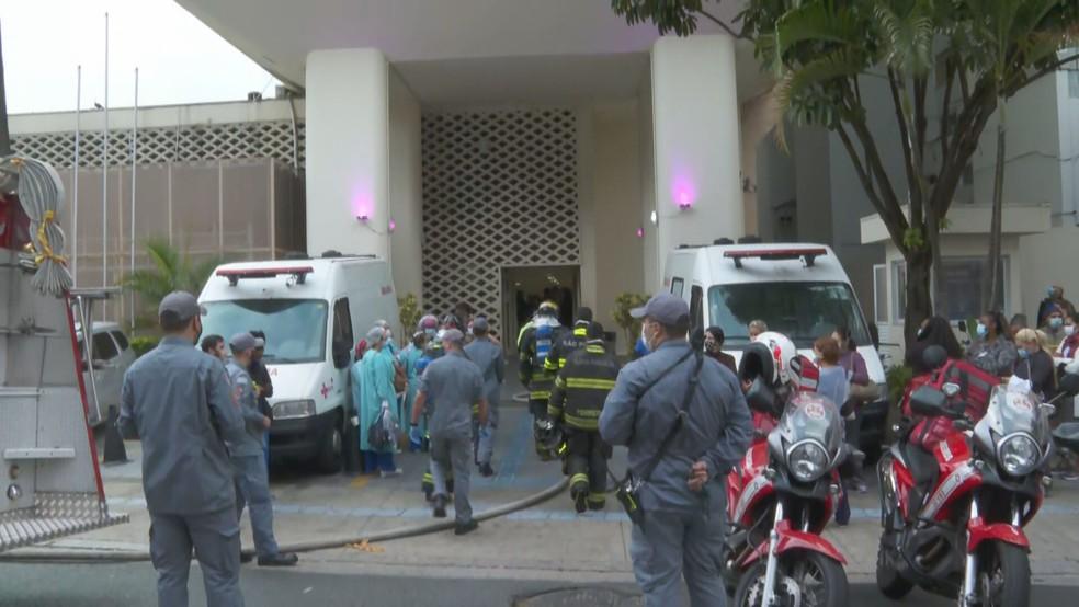 Incêndio atinge hospital estadual no Centro de SP — Foto: Reprodução/TV Globo
