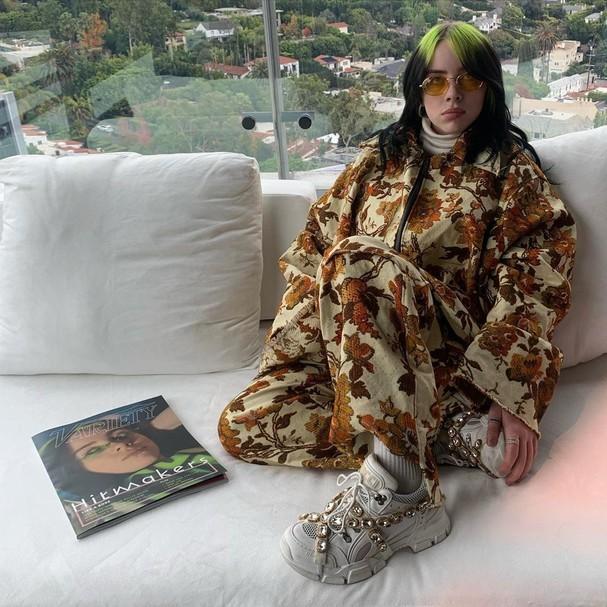 Billie Eilish: tudo sobre o estilo da cantora que ama usar moletons  (Foto: reprodução)