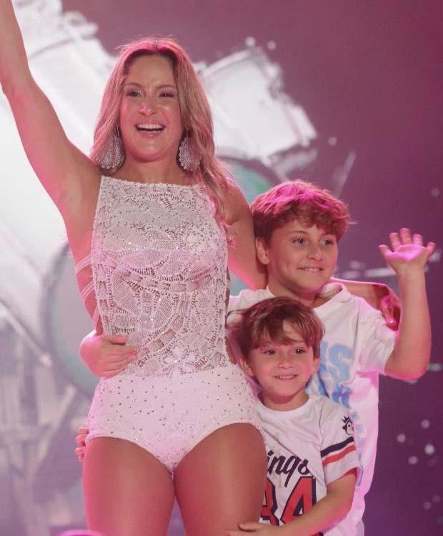 Claudia Leitte e os filhos Davi e Rafael (Foto: Divulgação/ Fred Pontes)