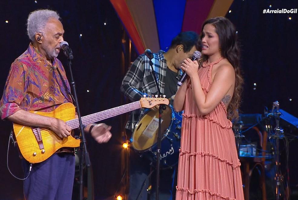 Gilberto Gil e Juliette se emocionam em live — Foto: Multishow