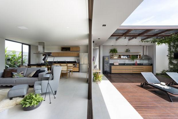 Uma casa espaçosa e prática para um casal jovem e sem filhos (Foto: Divulgação)