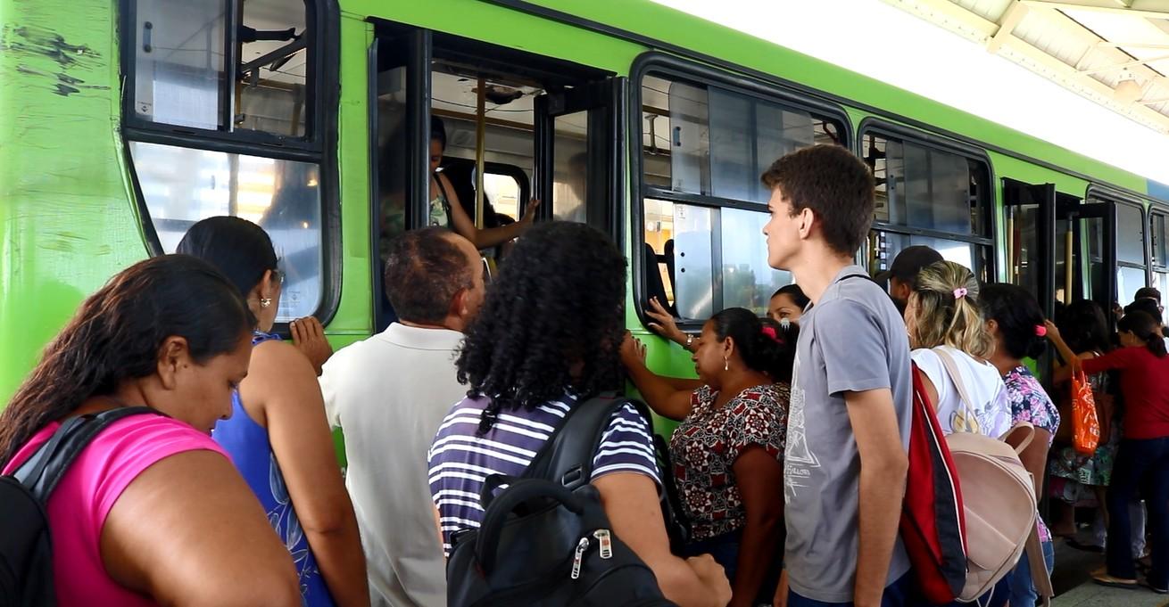 Conselho de Transporte Coletivo aprova reajuste da tarifa de ônibus para R$ 4,22 e R$ 1,40 em Teresina