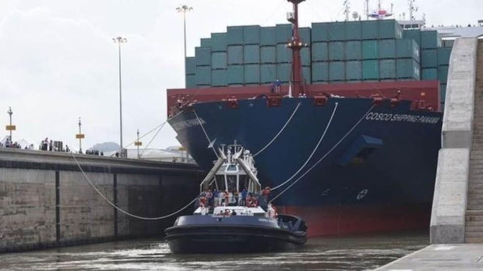 Órgão que administra canal afirma que até agora tráfego foi pouco atingido pela recessão em torno da pandemia — Foto: AFP