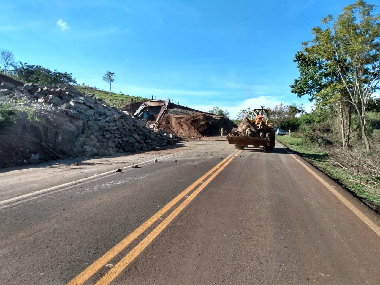 Trecho da BR-369 será bloqueado para detonação de rochas na região norte do Paraná