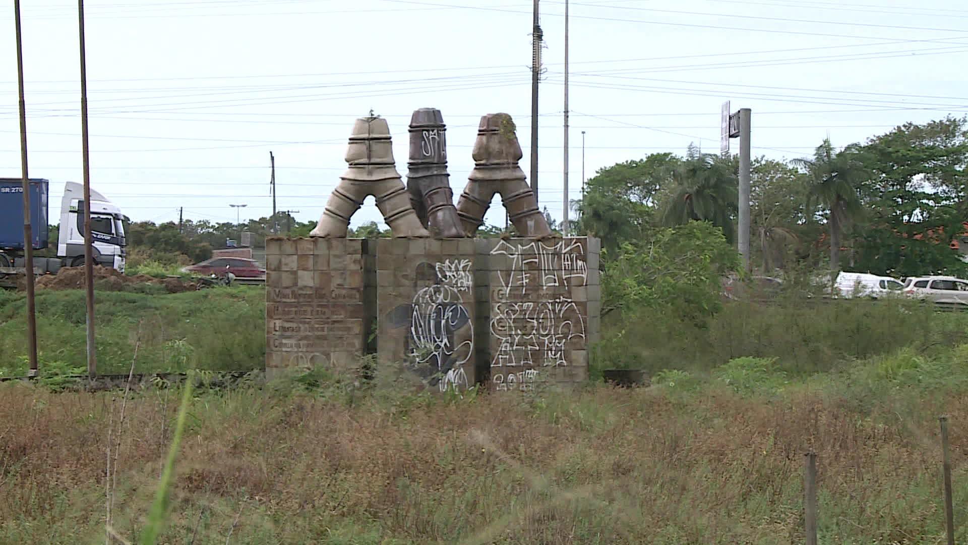 Pichada e abandonada, obra de Brennand em homenagem a heróis de batalha ganha plano de restauração