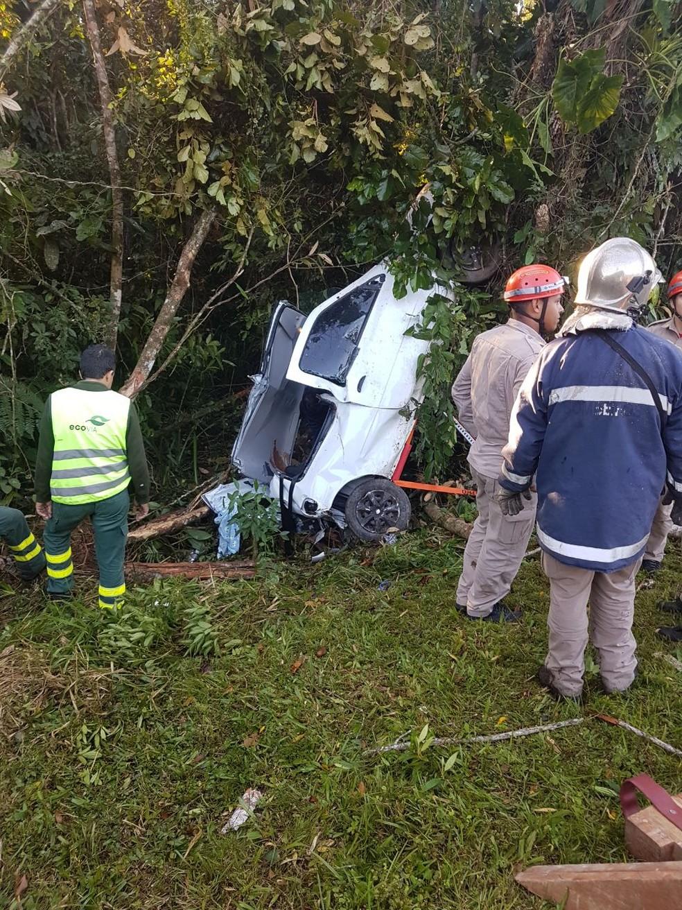 Acidente aconteceu na rodovia Alexandra-Matinhos (Foto: Divulgação/ PRE)