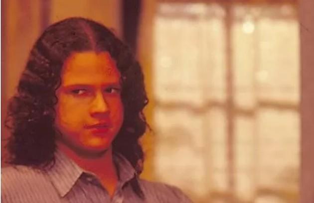 Selton Mello com cabelos longos na novela 'Pedra sobre pedra' (Foto: TV Globo)