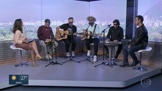 Barão Vermelho visita o RJ1 e canta clássicos da banda no Dia Mundial do Rock