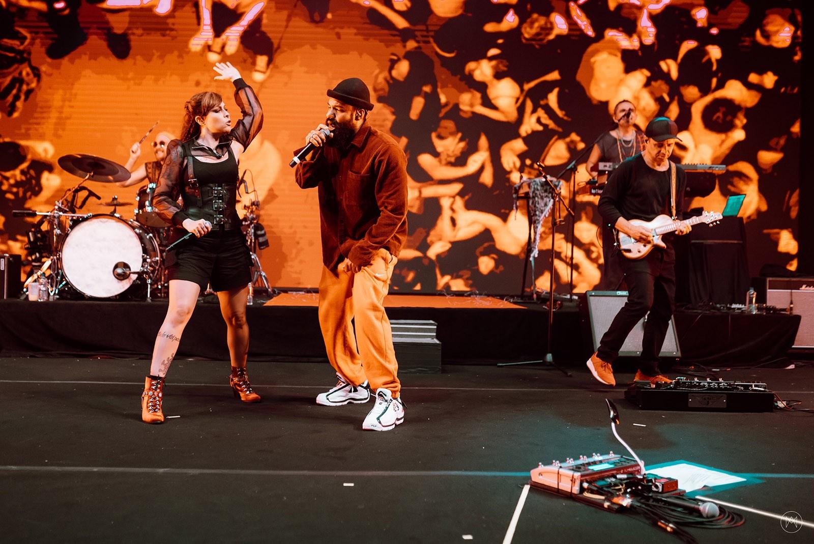 Pitty recicla música com BaianaSystem antes de lançar gravação do show 'Matriz'