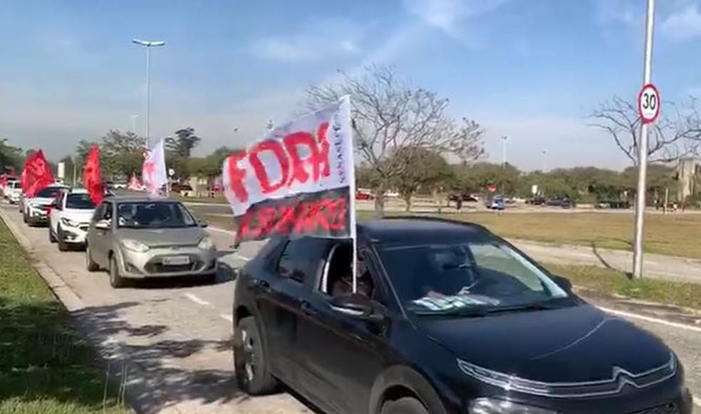 Carreata contra Bolsonaro na avenida Engenheiro Reinaldo Mendes neste sábado (3), em Sorocaba — Foto: Witter Veloso/TV TEM