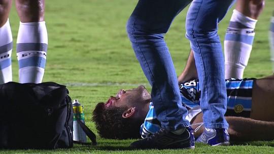 """Kannemann deixa o campo sangrando e brinca: """"Saí com mais pontos"""""""