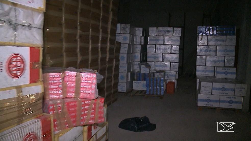 Galpão com quatro vezes mais produtos contrabandeados foi encontrado no bairro Matinha (Foto: Reprodução/TV Mirante)