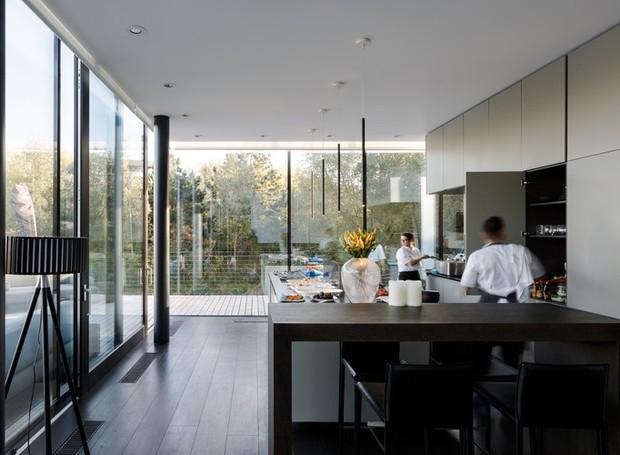 Casa que flutua: cozinha (Foto: María Barricart/Mecanoo/Reprodução)