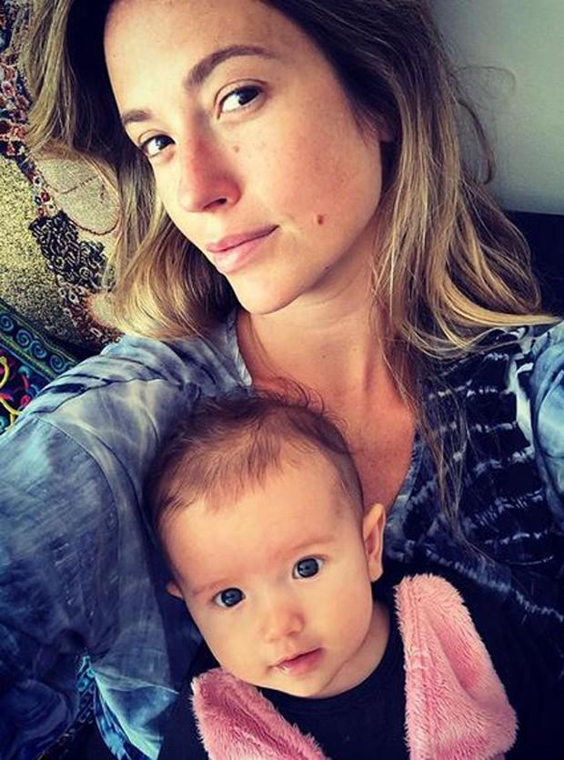 Juliana Didone está encantada com a pequena Liz, de 4 meses (Foto: Reprodução/Instagram)