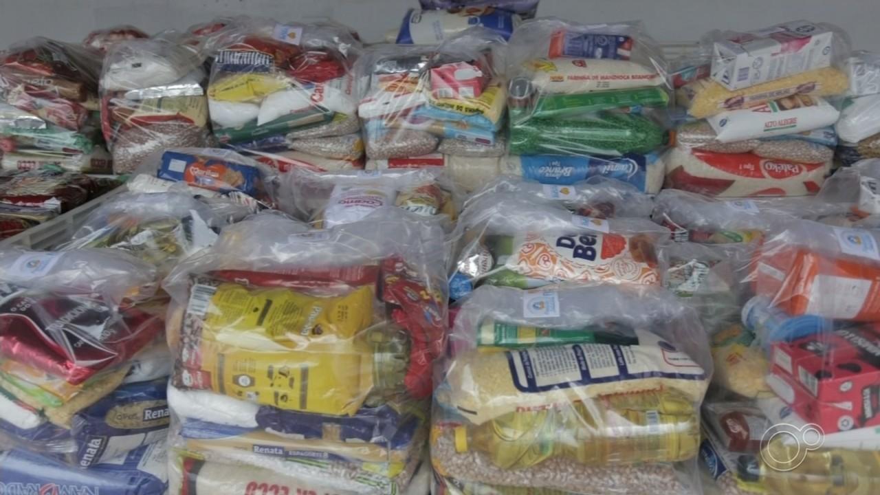 Postos de vacinação também são ponto de coleta de alimentos em cidades da região