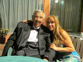 Rubén Aguirre com a filha Veronica em 2012 (Foto: Reprodução/Facebook)