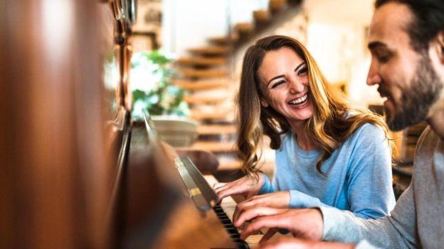 'As maiores obras da música são motores de empatia: elas nos permitem viajar para outras vidas, idades e almas', diz autora (Foto: Getty Images via BBC)